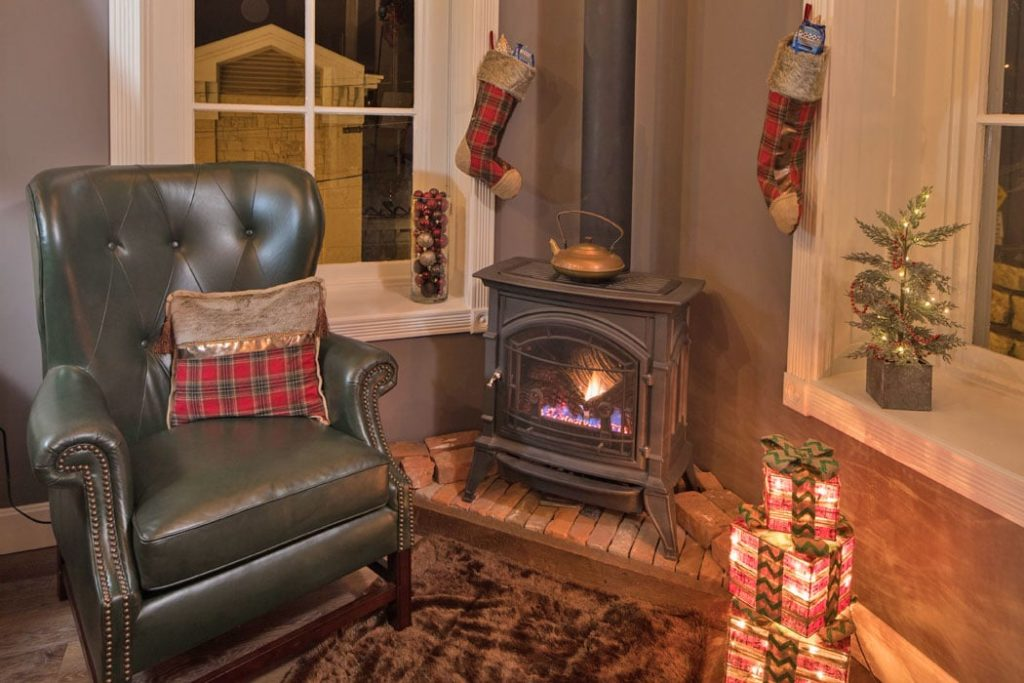 Jail Hill Inn, Galena, Illinois, Fireplace, Christmas time