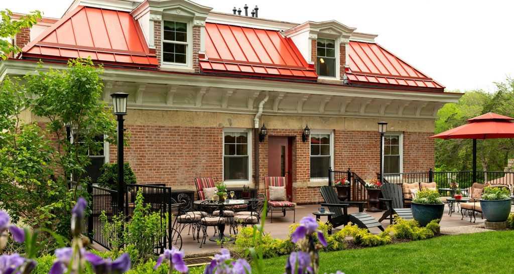 Relax and Unwind on the Deck at Jail Hill Inn, one of the most relaxing things to do in Galena this summer